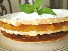 VOLADOR-light cookie sandwich filled with dulce de leche and pineapple marmalade - Peru