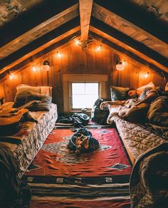 A cozy cabin bedroom in the forest. Cabin Homes, Log Homes, Attic Bedrooms, Cabin Bedrooms, Hippie Bedrooms, Attic Bedroom Designs, Tiny House Bedroom, A Frame House, Cozy Cabin