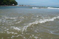 bueno aquí les dejo una foto muy bella de mi País el encuentro del río con el mar algo muy  bello en el parque Tairona Magdalena y un clima delicioso