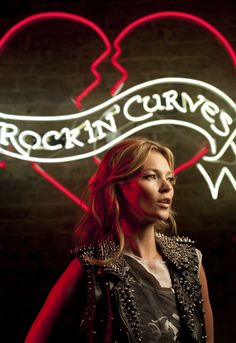 Kate Moss: behind the scenes on the Rimmel Rockin Curves campaign - Fashion Videos - Telegraph