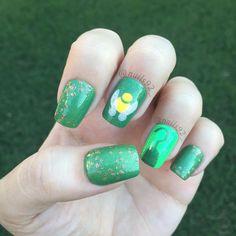 Disney Tinkerbell nails @nails92_