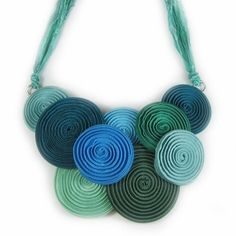 LEARN How to MAKE YOUR OWN zipper jewelry. Free jewelry making tutorial, with video + ideas for designs + jewelry making supplies. Zipper Jewelry, Soutache Jewelry, Beaded Jewelry, Textile Jewelry, Fabric Jewelry, Quilling, Handmade Accessories, Handmade Jewelry, Zipper Flowers