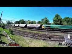locomotive EMD Class66 Freightliner PL begins to run with 45 coal wagons - YouTube