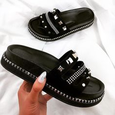Girls Shoes - Ways To Successfully Owning Many Great Shoes Women's Shoes, Cute Shoes, Wedge Shoes, Me Too Shoes, Shoes Style, Sandals Outfit, Cute Sandals, Slider, Cute Slippers