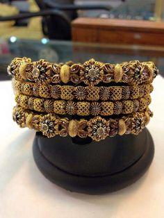 Gold Bangles Design, Gold Jewellery Design, Gold Jewelry Simple, Trendy Jewelry, Gold Bangle Bracelet, Imitation Jewelry, India Jewelry, Sterling Jewelry, Bridal Jewelry