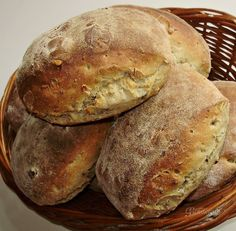 Kváskové dalamánky Bread Machine Recipes, Bread Recipes, Ice Cream Pies, Bread And Pastries, Bread Rolls, Freshly Baked, Bread Baking, Bakery, Food And Drink