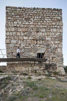Riba de Saelices (Guadalajara), Spain Restauración de un torreón árabe