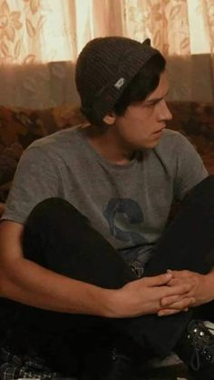 Fondos Goals - Fushion News Cole Sprouse Funny, Dylan Sprouse, Friends Wallpaper, Couple Wallpaper, Bff, Cole Spouse, Diana, Cole Sprouse Jughead, Riverdale Cw