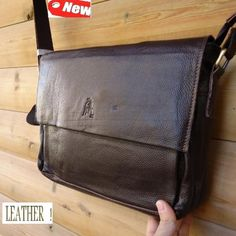 Genuine Real Leather Shoulder Bag Messenger Man's « Clothing Impulse Leather Book Bag, Leather Books, Leather Working, Real Leather, Leather Shoulder Bag, Shoulder Bags, Beautiful Handbags, Man Style, Messenger Bags