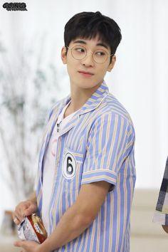 "𝐒𝐞𝐯𝐞𝐧𝐭𝐞𝐞𝐧 𝐏𝐡𝐢𝐥𝐢𝐩𝐩𝐢𝐧𝐞𝐬 on Twitter: ""[V+GOING] 200804 GOING #SEVENTEEN 2020 EP.26 BEHIND CUT with #HOSHI and #WONWOO 📸 @pledis_17… "" Seventeen Going Seventeen, Seventeen Album, Carat Seventeen, Seventeen Wonwoo, Woozi, Mingyu Wonwoo, Seungkwan, Hiphop, Vernon Chwe"
