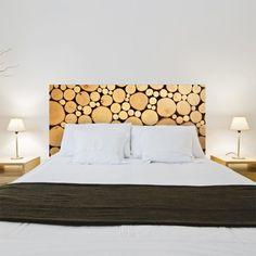 Faites entrer la nature dans votre chambre à coucher avec ce sticker rondins de bois en trompe l'œil. Très décoratif et tendance écolo, cette tête de lit est disponible en trois format au choix. Home Bedroom, Master Bedroom, Bedroom Decor, Bedroom Ideas, Bedrooms, Wooden Decor, Wooden Diy, Large Wood Wall Art, Unique Headboards