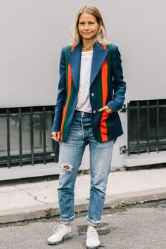 Fashion girls swear by these cute blazer outfits for winter. Get some style ideas here.