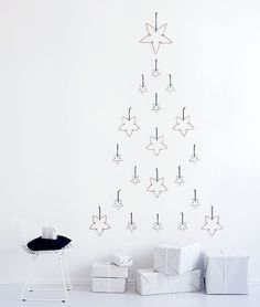 Alternative and elegant Christmas tree in subtle tones. Perfect for the nordic style
