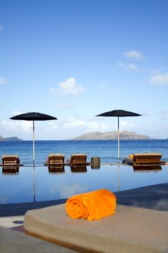 Hôtel Christopher St Barth - 5-star hotels St Barts Have you ever dreamed of staying on a quiet, secluded island for a romantic holiday in complete tranquility? Enjoy the tropical sunset melting into the horizon, your feet in the water,..
