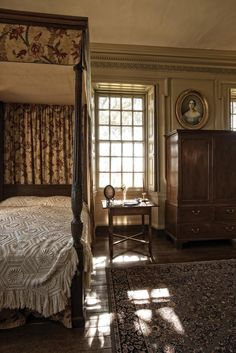 The Tie That Binds Belmont Colonial Bedroom Cottage Style Homes Hogwarts, Colonial Bedroom, Plantation Homes, Discount Bedroom Furniture, Primitive Bedroom, Antebellum Homes, Cottage Style Homes, Cottage Interiors, Modern Architecture