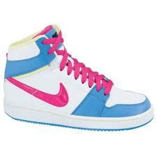 I will not wear Boots in winter I might wear flip flops But these are the only things ill wear on my feet!