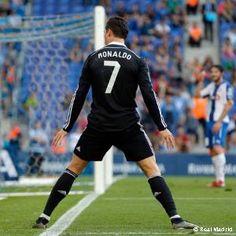 Prediksi Bandar Bola Euro 2012 – Klub raksasa La Liga Spanyol, Real Madrid kembali meraih hasil positif saat bertandang ke markas Espanyol dalam lanjutan La Liga Spanyol musim 2015-2016.