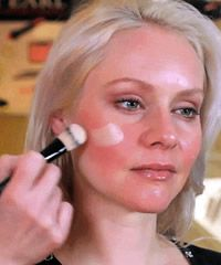 Skin Friendly #Makeup for Girls with Rosacea