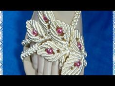 Crochet Necklace, Youtube, Decorated Flip Flops, Felt Toys, Beading, Shoe, Ragdoll Cats, Beading Jewelry, Flip Flops