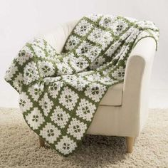 Fields of Clover Afghan / Throw / Blanket / Square / Block / Irish / St. Patrick's Day - Free Crochet Pattern Download