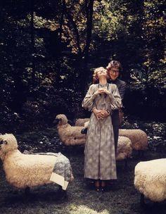 * Yves Saint Laurent et Loulou de la Falaise 1974 - photo Norman Parkinson