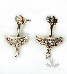 Orientalne kolczyki składające się z trzech elementów, wysadzane cyrkoniami. Srebro w kolorze rose gold - miedziane złoto.