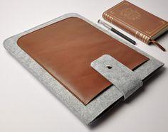 Felt iPad case , iPad sleeve , iPad bag , iPad cover , Customized Kindle sleeve , with leather switch and two pocket--U713