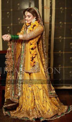 Pakistani Party Wear Dresses, Bridal Mehndi Dresses, Beautiful Pakistani Dresses, Asian Bridal Dresses, Pakistani Wedding Outfits, Bridal Dress Design, Pakistani Bridal Dresses, Wedding Dresses For Girls, Pakistani Dress Design