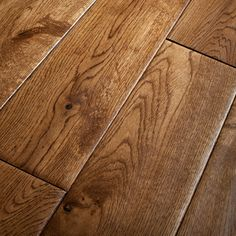 Solid Golden Oak Hand Scraped Lacquered 125mm Solid Wood Flooring