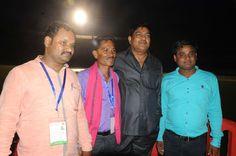 सहकारिता, संस्कृति एवं पर्यटन मंत्री श्री दयालदास बघेल के साथ बेमेतरा जिले के पंचायत प्रतिनिधियों ने शहीद वीर नारायण सिंह अंतर्राष्ट्रीय क्रिकेट स्टेडियम का भ्रमण किया. यहाँ उन्होंने भव्य स्टेडियम का नजारा लेते हुए दर्शक दीर्घा में लगाई गई आकर्षक कुर्सियों पर बैठकर विश्राम किया. प्रतिनिधियों ने मंत्री के साथ ढलती शाम को स्टेडियम के खूबसूरत माहौल का आनन्द लिया.