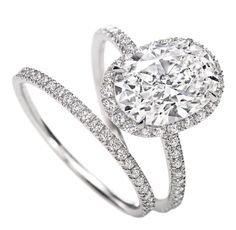Love this oval engagement ring