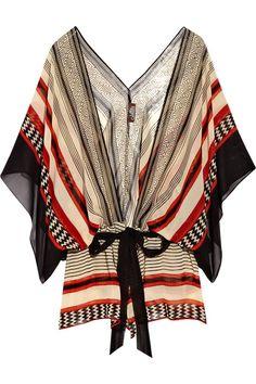 Азиатский стиль в одежде. Орнамент на азиатской одежде может быть  разным. Например, геометрическим.