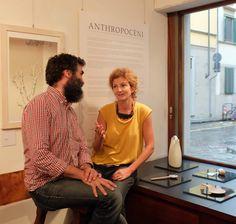Eva con Simone Guaita della galleria Il Bisonte, Firenze settembre 2016 -  Anthropocèni per SharePopUp - Source2016