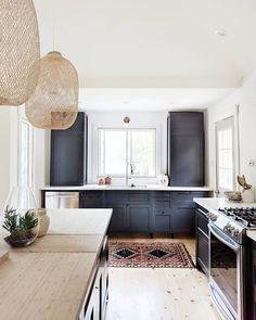 41 Best Kitchen And Bath Design Ideas #kitchens #kitchendesign #kitchenideas Bright Kitchens, Cool Kitchens, Kitchen And Bath Design, Kitchen Decor, Kitchen Ideas, E Design, Interior Design, Design Ideas, Good Excuses