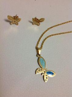 conjunto en acero gold diseño mariposas aretes de poste