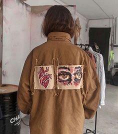 Custom Jacket in 2020 Look Fashion, Diy Fashion, Ideias Fashion, Fashion Outfits, Womens Fashion, Fashion Design, Fashion Today, 2000s Fashion, Fashion Black