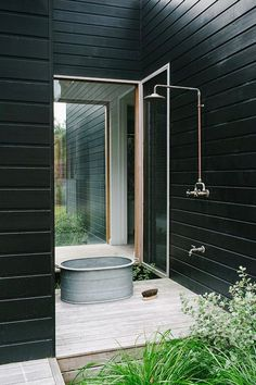 black and white outdoor shower | cotton & rust