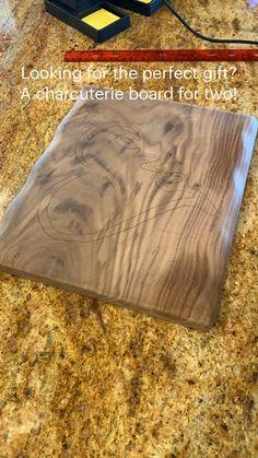 Wood Burning Techniques, Wood Burning Tool, Wood Burning Crafts, Wood Burning Patterns, Wood Burning Projects, Woodworking Jigsaw, Woodworking Projects Diy, Woodworking Furniture, Woodworking Shop