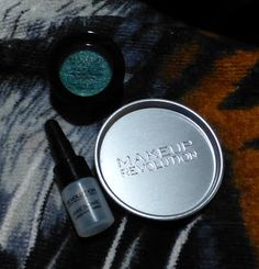 "Makeup Revolution Awesome Metals Eye Foils in ""Emerald Goddess"""