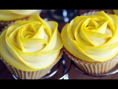 Rose Cupcakes - Tinted Buttercream Frosting Decoration 로즈 컵케이크 만들기 - 한글자막 - YouTube