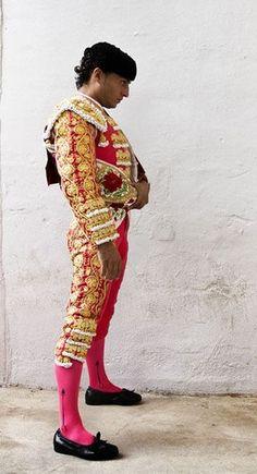 Spanish bullfighter  sc 1 st  Pinterest & 118 best Bullfighter images on Pinterest | Racing Matador costume ...