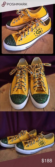 Made with Swaro… Green Bay Packer Bling Converse Green Bay Packer Bling Converse. Made with Swarovski crystals. Bling Converse, Custom Converse, Bling Shoes, Custom Shoes, Converse Shoes, Shoes Sneakers, Green Bay Packers, Canvas Sneakers, Casual Boots