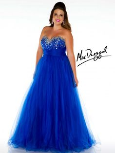 You know that cinderella dress in the live version movie this is what I invision in real life! <3