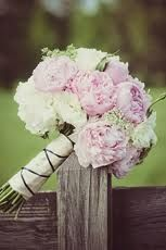pink peonies+baby's breath+white spray roses