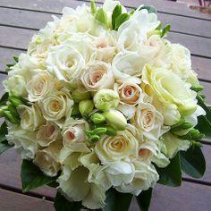 Rose Wedding Bouquet, Wedding Flowers, Cream Wedding, Cream Roses, Italy Wedding, Pale Pink, Pink Flowers, Floral Design, Floral Wreath