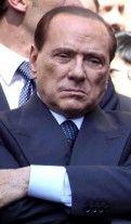 Berlusconi assomiglia a Puffo Brontolone (via @RepubblicaIT)
