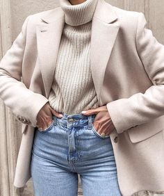 beautiful winter outfits- schöne Winteroutfits Find the most beautiful outfits for your winter look. Hijab Casual, Mode Outfits, Cute Casual Outfits, Stylish Outfits, Ootd Hijab, Casual Chic, Winter Outfits For Work, Winter Fashion Outfits, Look Fashion