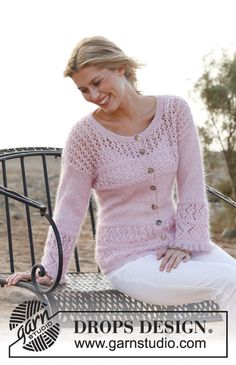 """Knitted DROPS jacket in """"BabyAlpaca Silk"""" and """"Kid-Silk"""" with lace pattern. Size: XS - XXXL. ~ DROPS Design"""