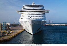 Το Costa Fortuna πλευρισμένο στον Πειραιά. 23/05/2013.