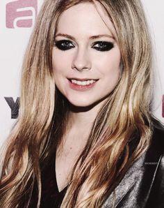 gözleri ve saçları çok güzell